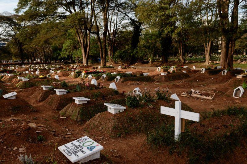 Cemiterio-Vila-Formasa-SP-by-Ettore-Chiereguini-Agif